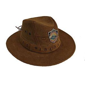 Chapéu de couro caramelo, com logo DSA 2019 metal