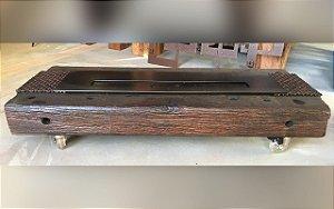 Lareira de madeira de cruzeta