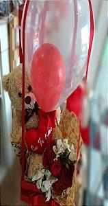 Kit romântico com pelúcia e rosas