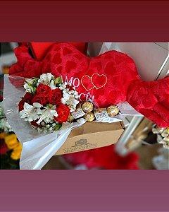 Kit romântico coração de pelucia