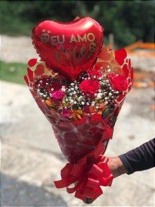 Buquê com rosas, gerberas e balão personalizado