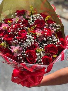 Buquê com 24 rosas
