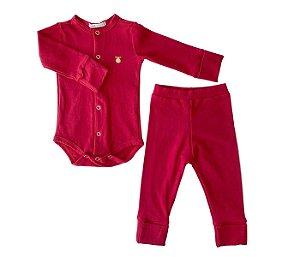 Conjunto Bebê vermelho, mais conforto e proteção para os pequenos.