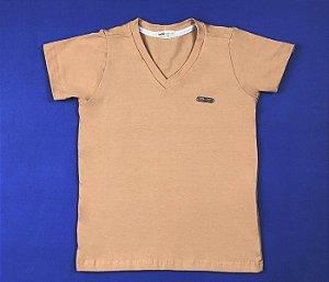 Camisa Gola V Com Detalhe no Peito Cor Laranja Pessego