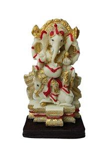 Ganesha na Poltrona em resina