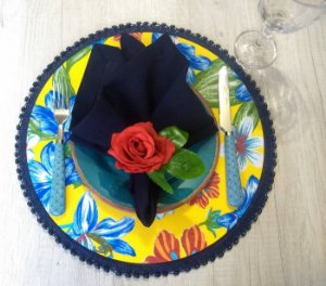 Capa para Sousplat Chita - Amarela com Flores