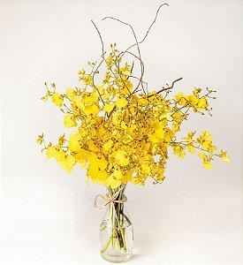Arranjo de Flores Chuva de Ouro