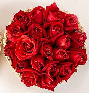 Bouquet Coração Cesta de Rosas Vermelhas