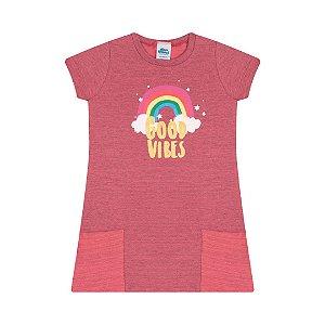 Vestido moletinho flamê cor coral com bolso e estampa arco-íris