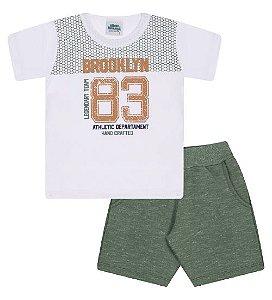 Conjunto Bermuda e Camiseta nas cores branca e verde floresta