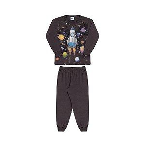 Pijama cor chumbo, estampa de nave que brilha no escuro