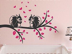 Adesivo de parede - Esquilos e corações