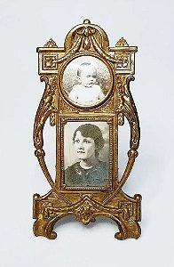 Porta-Retrato Antigo com Fotografias Antigas de Mãe e Bebê
