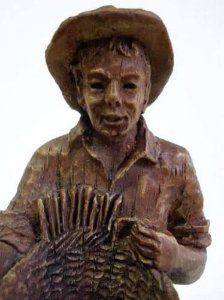 Escultura em Madeira Assinada,  Vendedor De Cestos