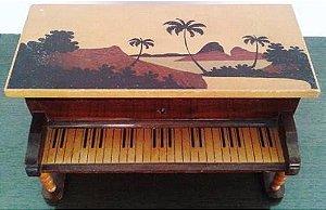 Rio De Janeiro,  Caixa Porta-joias em Madeira Marchetada, Formato de  Piano