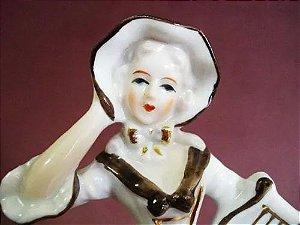 Escultura Em Porcelana Antiga Figura Feminina