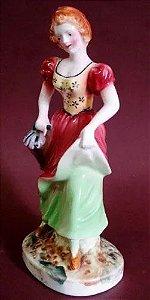 Escultura Antiga em Porcelana Inglesa, Figura Feminina, Pintada A Mão, Manufatura  Royal