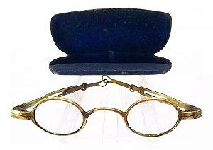 Primitivo Par de Óculos de 1750, com Hastes Extensoras