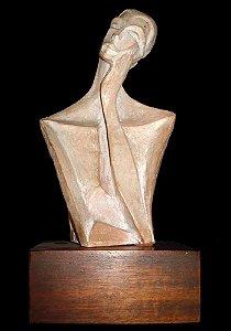 Escultura em Cerâmica, Figurativo Feminino no Estilo Modernista, Numerada, Assinada Antal