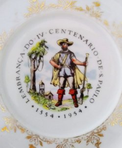 IV Centenário de São Paulo - Antigo Prato com Imagem de Bandeirante