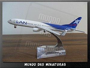 Avião Miniatura - Boeing 737-800 LAN - Em Metal