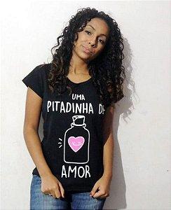 T-shirt Preta uma pitadinha de amor.