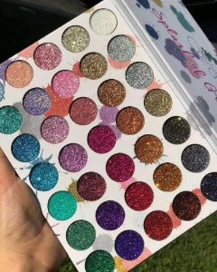 Splash Of Glitters Beauty Creation