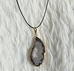 colar druza com cristais