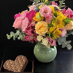 Coração de Chocolate e Flores.