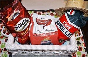 Caixa com 3 pacotes de café. Coffee Box . Made in Minas . Linda caixinha. Café Feito em Minas