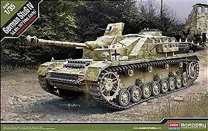 """Academy - German StuG IV Sd.Kfz.167 """"Ver.Early"""" - 1/35"""