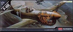 Academy - P-40E - 1/72