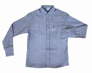 Camisa Fundo Azul Claro Listrada de Azul