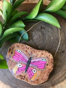 Placa de Madeira Rústica - borboleta rosa