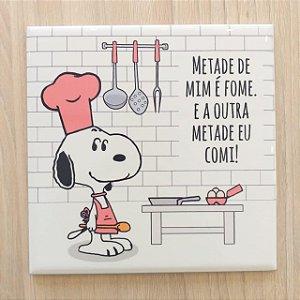 """Azulejo 15 x 15 - Snoopy """"Metade de mim é fome"""" rosa"""