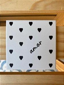 Porta copos corações em preto e branco