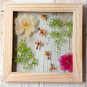 Quadro de Flores Naturais - Flores e folhas