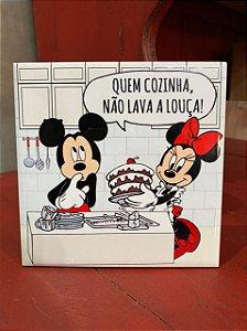 Azulejo Minnie e Mickey QUEM COZINHA NÃO LAVA A LOUÇA
