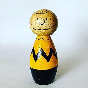 Charlie Brown em madeira pintada à mão