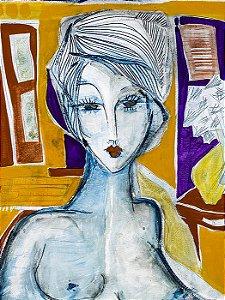 Mulher em Fundo Amarelo