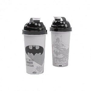 Shakeira de Plástico 580 ml com Tampa Rosca e Misturador Batman