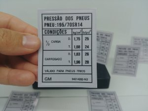 Adesivo Selo Pressão e Medida Dos Pneus Comodoro/Diplomata 81 a 90 - PNEU 195/70 SR14