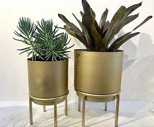 Conjunto de Vasos Dourados.