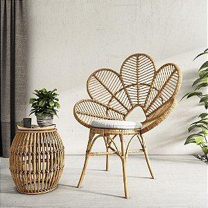 Cadeira pétala em fibra natural