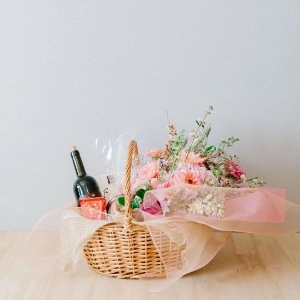 Cesta de flores personalizada