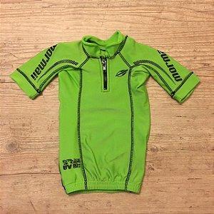 MORMAI camiseta lycra verde 6 anos