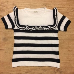 UPIÁ blusa de linha listras pretas e brancas c babado 6 anos