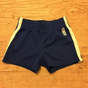 OSHKOSH short gym 9 meses