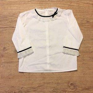 UPIÁ camisa de algodão branca com renda e debrum preto gola e mangas 6 anos