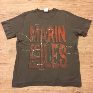 PETIT BATEAU camiseta marrom 6 anos ( modelagem pequena)